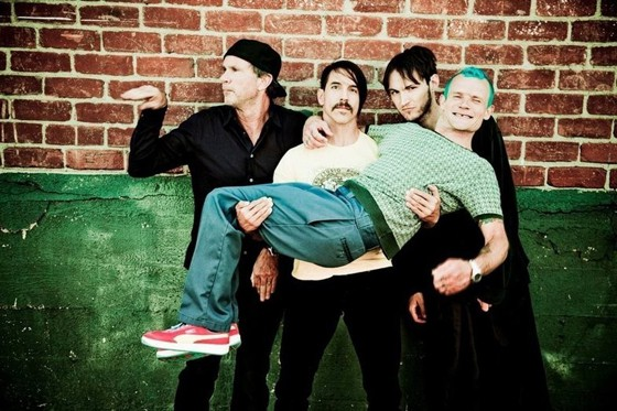 red-hot-chili-peppers-2016.jpg